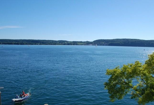 博登湖航运沟通瑞士,奥地利和德国.